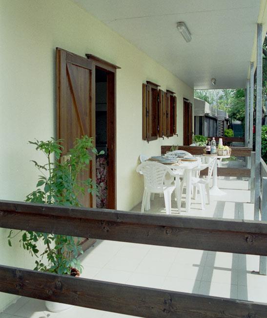 Bungalows e precaravan camping europa in localit partaccia for Disegni casa bungalow
